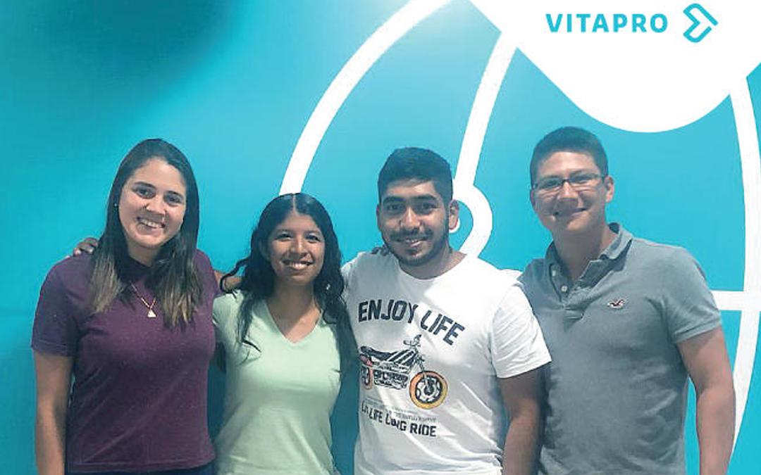 Egresados de la Científica participarán en el programa Trainner con VITAPRO en Ecuador