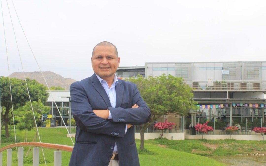 """Eduardo Estrada: """"Todo lo aprendido en la Científica del Sur continúa influenciando en mi vida profesional"""""""