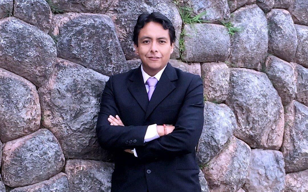 """Javier Chavez: """" Mi posgrado en Científica me sumó herramientas en un mundo globalizado y competitivo""""."""